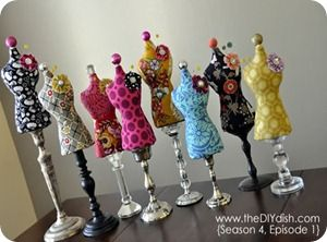 I love these pincushions! ~ tutorial for these.... check out the candle stick pedestals!