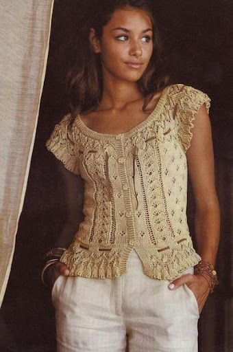 Elegant knitted blouse