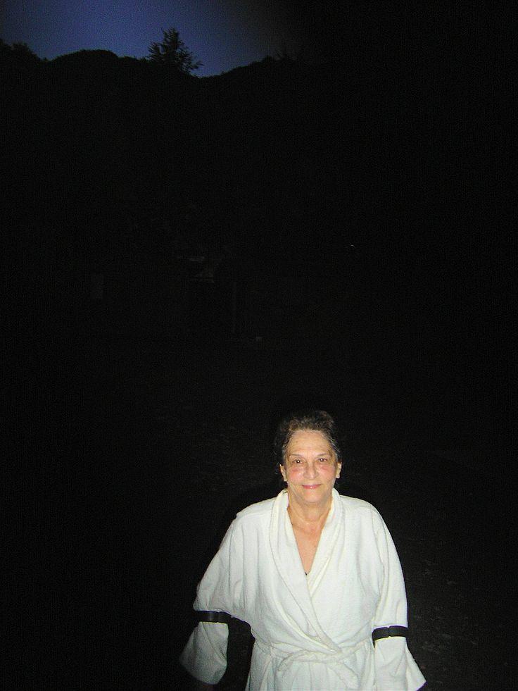 Liquiñe 2008. Ya de noche regresando a la cabaña despues del baño.