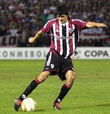 """""""Lucho"""" Gonzalez"""