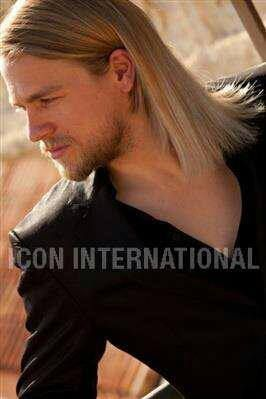 Charlie Hunnam Brad Pitt look alike