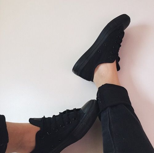 Image via We Heart It https://weheartit.com/entry/164128673 #allstar #black #converse #grunge #outfit #outfits #pale #shoes #sitemodel #softgrunge