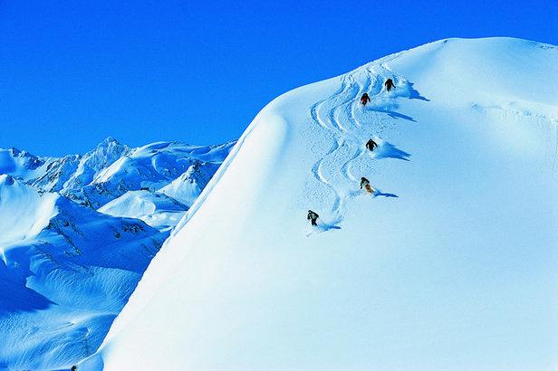 8 Best Ski Resorts - APRIL