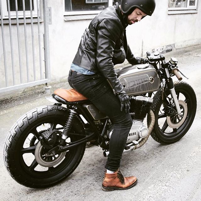 "@bratcafe's photo: ""BRAT @bratcafe Regram from @caferacergram 