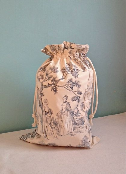 Laundry bag with drawstringFrench blue toile de jouy by Kirstyflo, €25.00