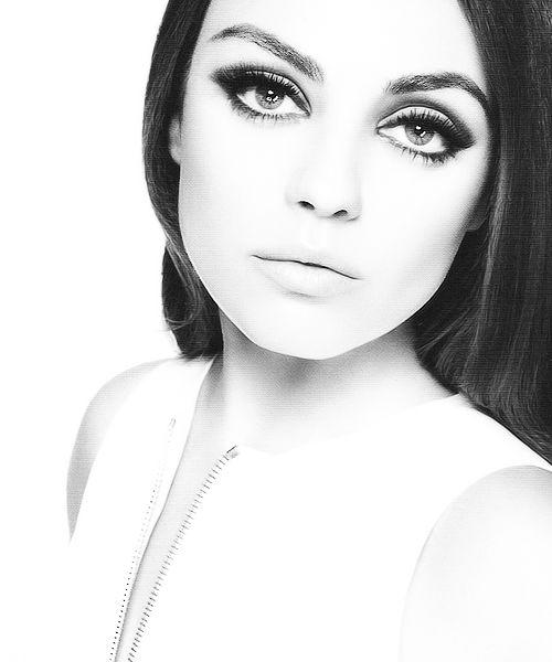 Mila Kunis-love the eye make up