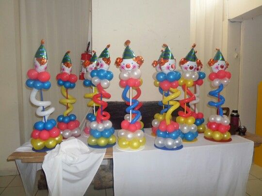 25 best ideas about payaso con globos on pinterest for Puertas decoradas con payasos
