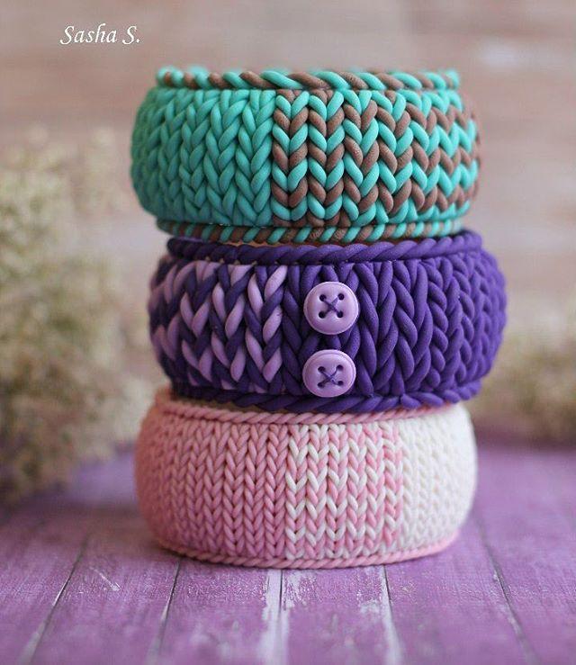"""""""Теплые"""" уютные браслеты на деревянной основе мой любимый зимний аксессуар❄ фиолетовый забронирован, остальные свободны)  #полимернаяглина #пластика #хобби #браслет #вязание #своимируками #sweet_craft #polymerclay #hobby #handmade"""