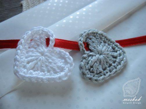 Valentine's day crochet heart http://meskok.hu/termekek/horgolt/apro-szivek-valentin-napra/#prettyPhoto
