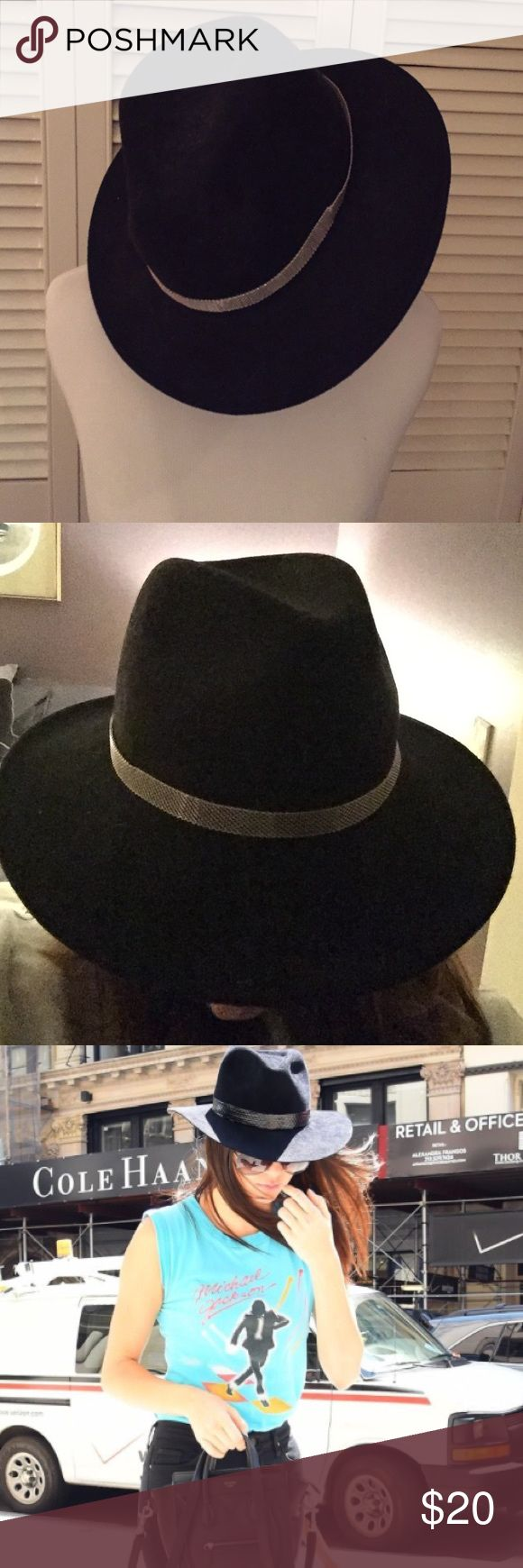 Contemporary black floppy hat Beautiful black hat-tie together any outfit Kendall & Kylie Accessories Hats