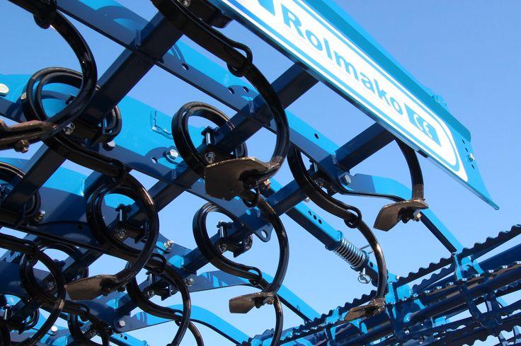 Agregat uprawowo-siewny Seedbed cultivator Saatbeetkombination Combiné de préparation de sol Rolmako www.rolmako.pl www.rolmako.com www.rolmako.de www.rolmako.fr www.rolmako.ru