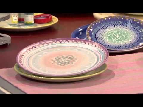 Bine Brändle töpfert und glasiert einfache Teller - YouTube