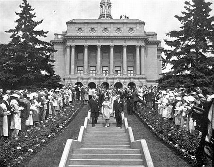 Queen Elizabeth II at the Alberta Legislature, 1959.