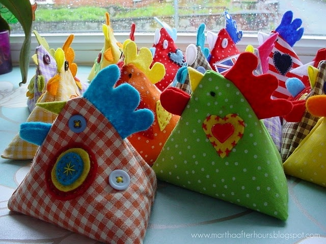I have no idea what I would do with these chicken bean bags but I want to make one! haha
