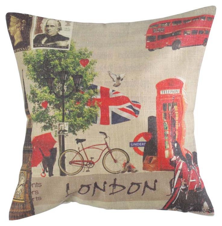 """Pernă decorativă """"London"""" - imprimată cu motive retro urbane, ce aduc aminte de îndepărtata Londră."""