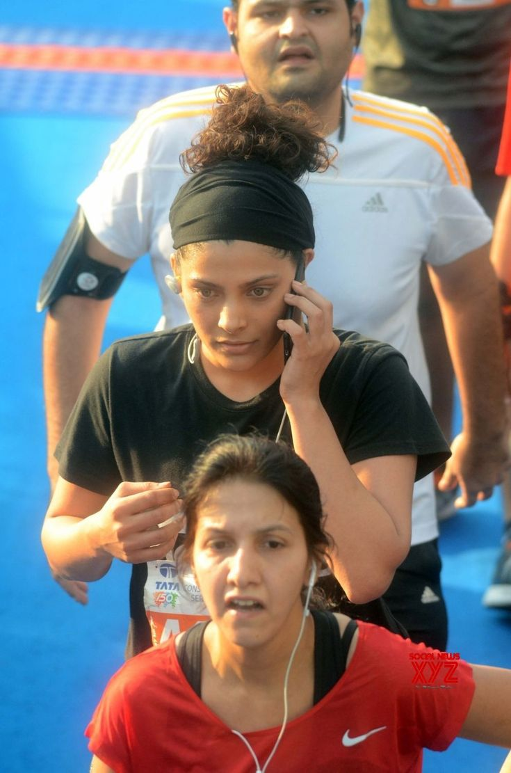Mumbai: Mumbai Marathon 2018  Tara Sharma, Rahul Bose, Saiyami Kher - Social News XYZ