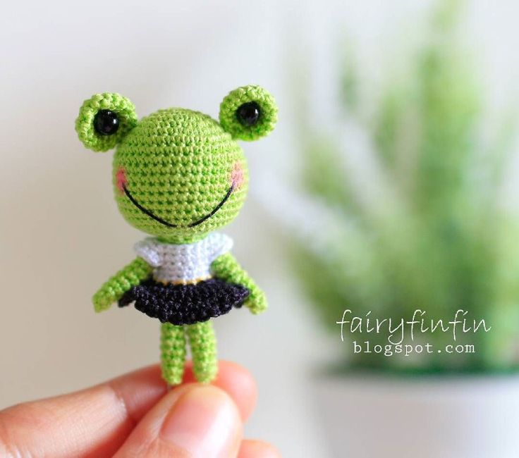 Knitting Pattern For Jeremy Fisher : 1000+ images about Crochet / knit frog on Pinterest Ravelry, Toys and Crochet