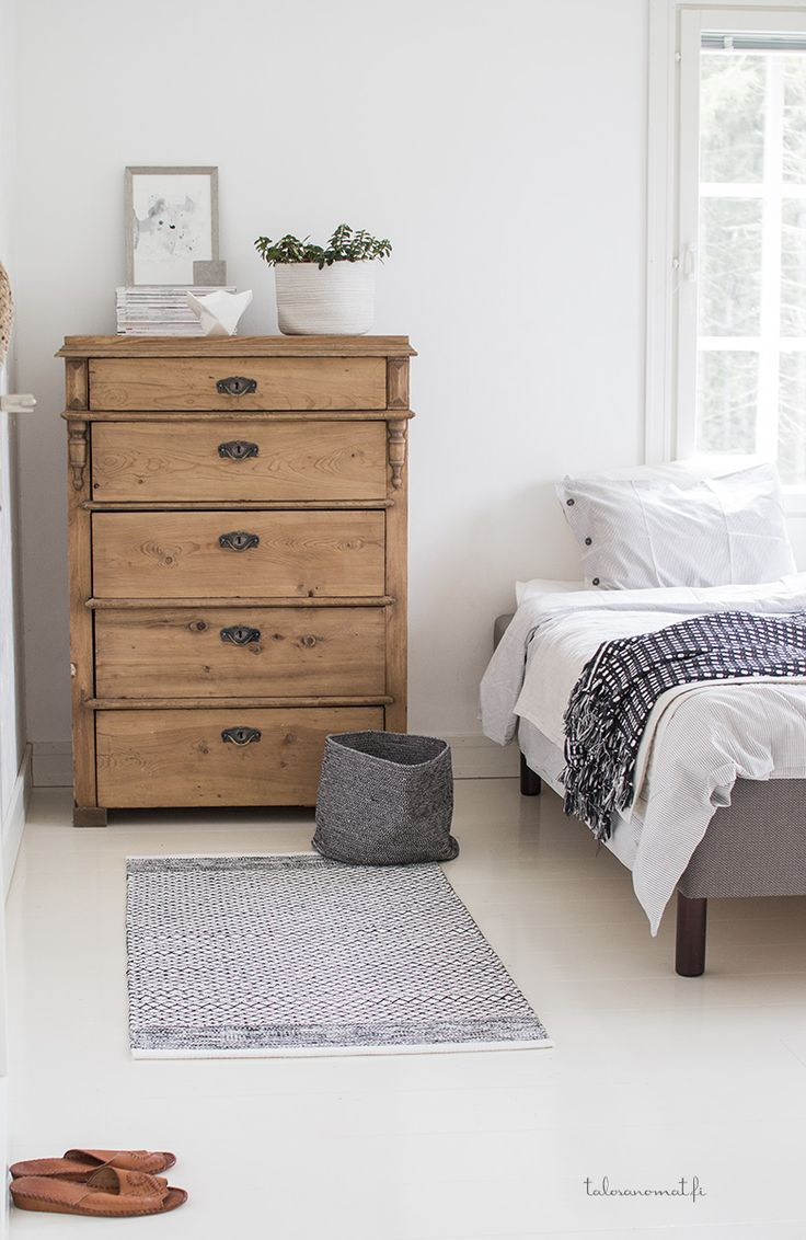 Rustic dresser | Friday Favorites from www.andersonandgrant.com