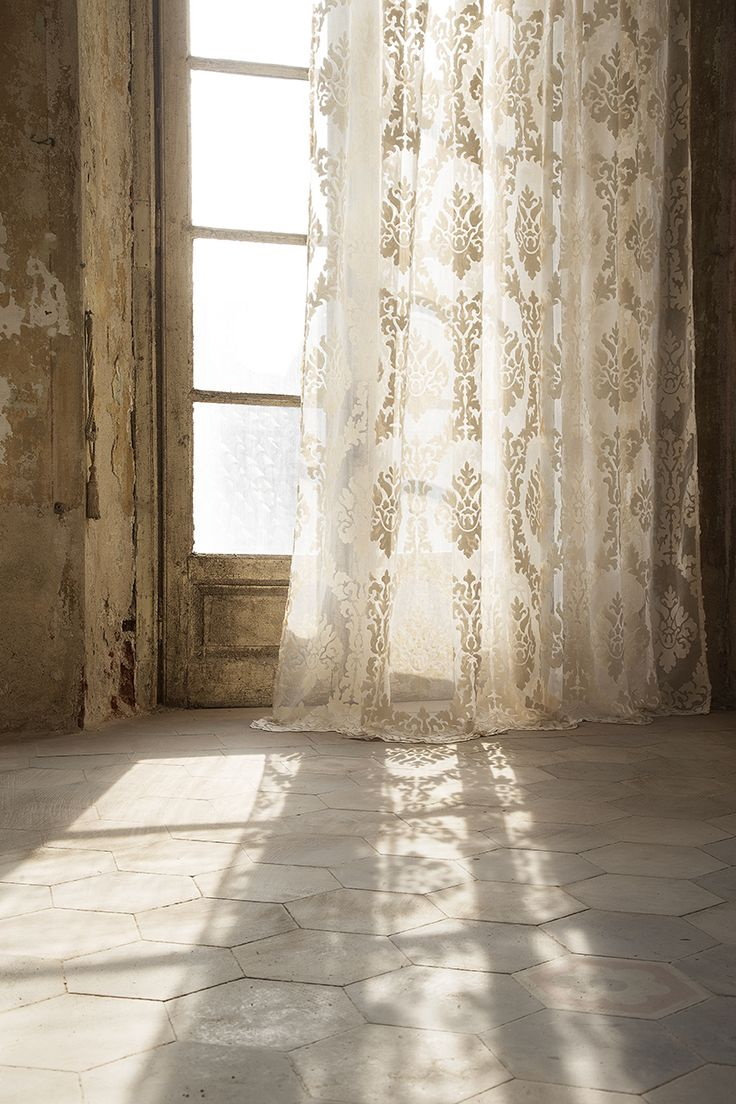 VERSAILLES by Christian Fischbacher. Drapery inspired by Italy. Collezione Italia 2015