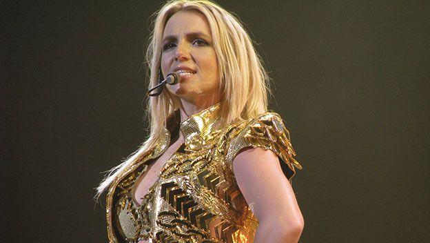 Ing. Omar Caceres: Usan la cuenta de Instagram de Britney Spears para...#espionaje #hackers #Instagram #Malware