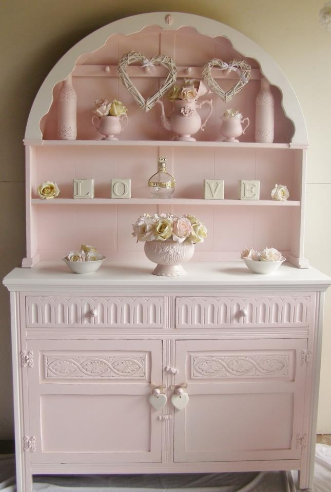 Gorgeous pink buffet.  One of the prettiest pieces of pink furniture that I have seen.