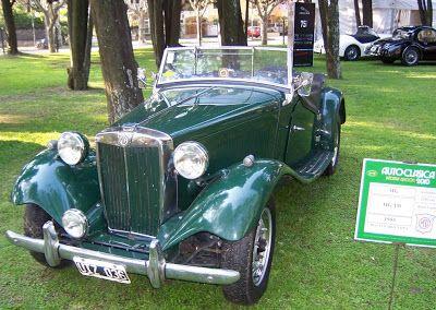 MPLAFER.net: Outubro 2010 Alguém precisa dizer que este é o nosso modelo favorito da Autoclásica 2010? O MG TD (este é de 1953) inspirou a criação do MP Lafer, a grande ausência do encontro argentino.
