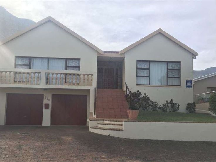 316 on 4th - A peaceful and relaxing environment with beautiful mountain views. Close to nearby beaches including Blue Flag Grotto beach, iconic Langbaai and Kwaaiwater for late afternoon sundowners or enjoy breakfast ... #weekendgetaways #hermanus #overberg #southafrica