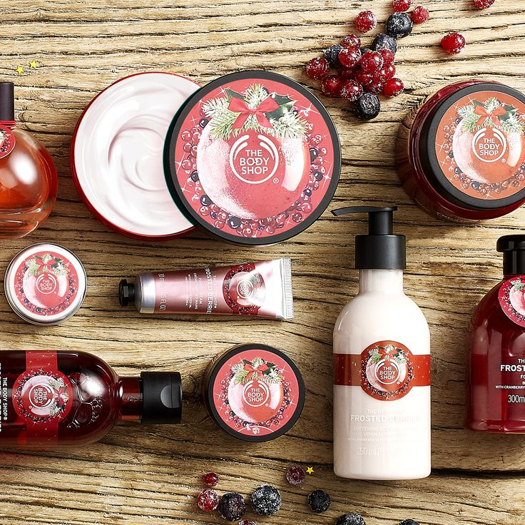 From sweetly spiced to unbelievably juicy, our eagerly anticipated limited edition seasonal favorites are back this holiday season! Explore the frosted berries range, made with cranberries from North America. This range is filled with rich and delectable treats for softly-sweet skin. With fresh notes of cranberry, blackcurrant, raspberry with white flowers, creamy praline and sweet vanilla for an irresistibly juicy flavor! These seasonal scents will become your new favorite!