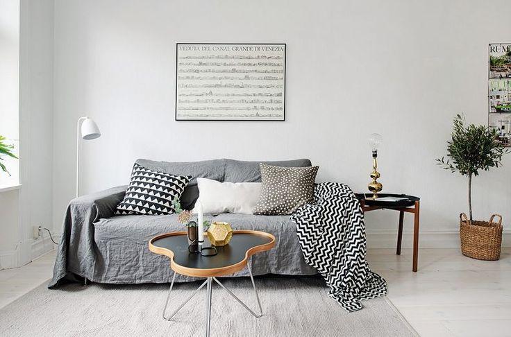 Zekice Tasarlanmış Bir Artı Bir İskandinav Apartman Dairesi