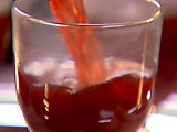 Mulled Wine by the Barefoot ContessaHoliday Parties, Mulled Cider, Ina Mulled, Barefoot Contessa, Holiday Drinks, Apple Cider, Mulled Wine, Ina Garten, Sounds Yummy