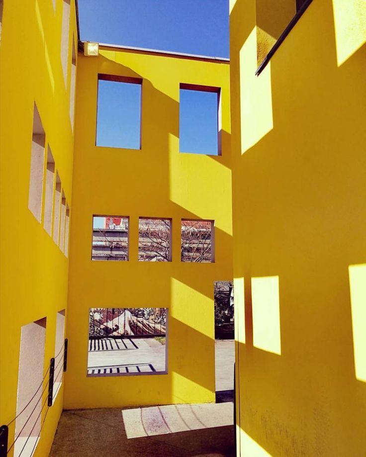 Yellow feeling