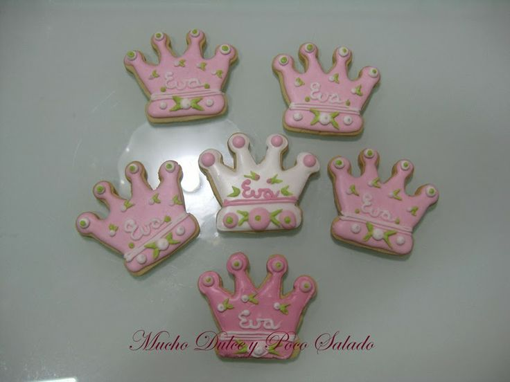 Galletas decoradas, coronas, glasa, galletas bautizo