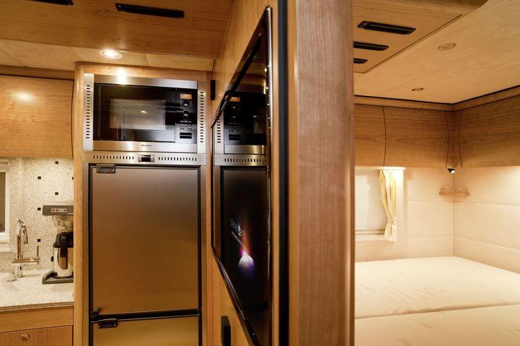 Mercedes-Benz Zetros Interior | Mercedes Zetros mit Luxus-Wohnaufbau - Schöner wohnen im Krisengebiet