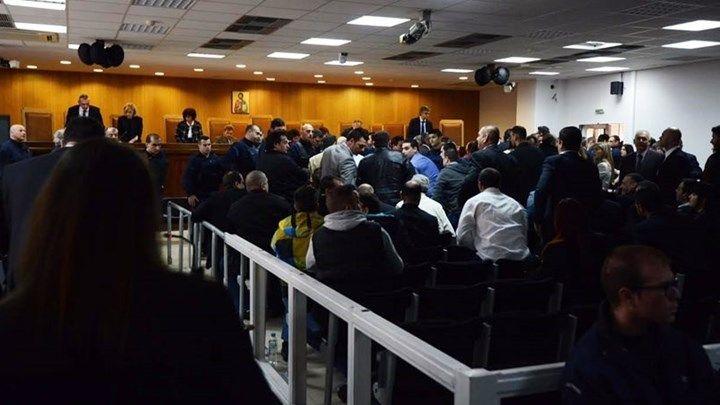 Τι καταγγέλλουν οι συνήγοροι Πολιτικής Αγωγής για τη μεταφορά της δίκης της Χ.Α. στον Κορυδαλλό