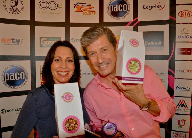 Charles Shaughnessy & Susan Shaughnessy holding bags of ...