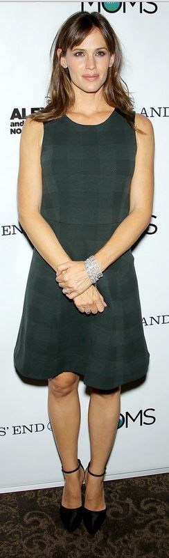 Who made  Jennifer Garner's green plaid dress that she wore in New York on October 1, 2014?