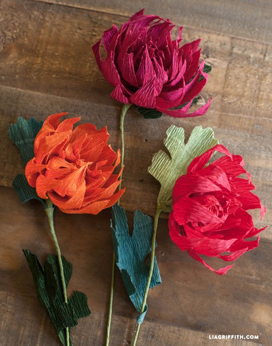 Crepe paper mums how to make paper flowers for fall for Crepe paper wall flowers