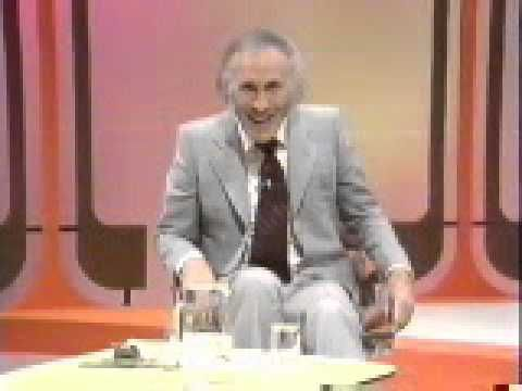 Bruce Forsyth's Generation Game 1972 - YouTube