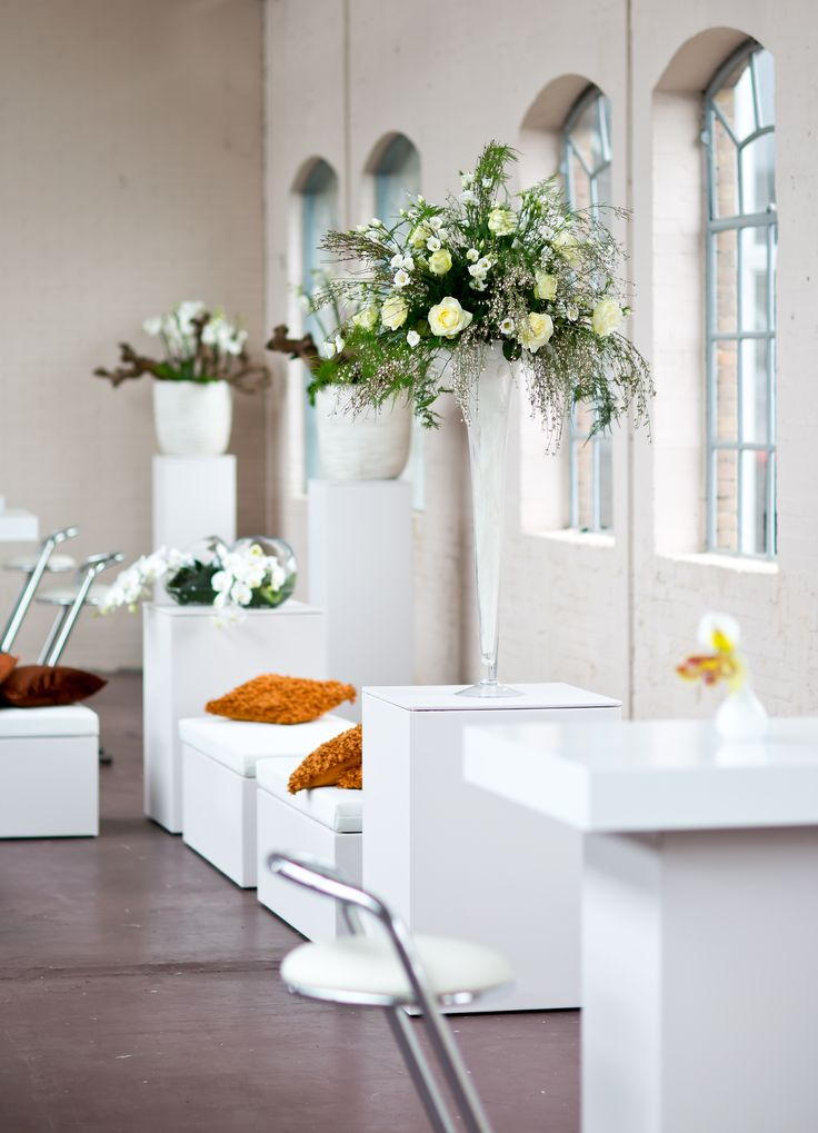 Blooming-white #statafel #bartafel #white