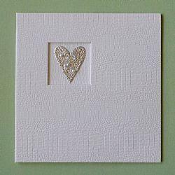 Βιβλιο ευχων λευκό με μεταλλική σφυρήλατη καρδια  Στο ίδιο σχεδιο διατίθεται κ αλμπουμ γαμου