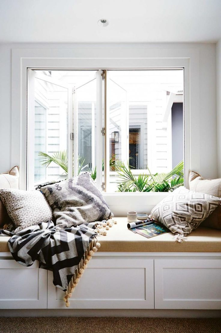 721 best window seats reading nooks images on pinterest for Sitting window design