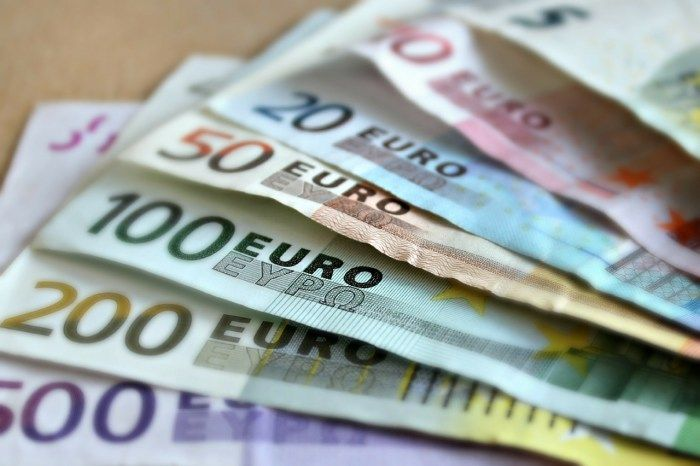 What the Falling Euro Means For U.S. Travelers