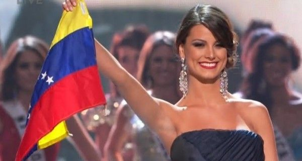 Stefanía Fernández publicó en su cuenta de Instagram una imagen en la que muestra la bandera de Venezuela, luego de que se diera a conocer que el Consejo N
