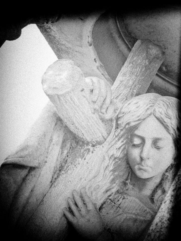 In bianco e nero. Pic: Stefania Ciocca #Lomellina #sacro #turismo