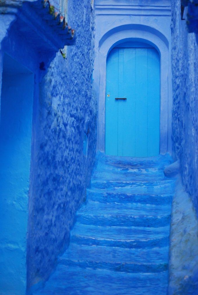 北部リフ山脈の麓にあるシャウエンは、街全体が青と白に塗られたまさに秘境 <モロッコ観光・旅行おすすめ見所>