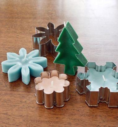 DIY Cookie cutter candles - easy Christmas gift idea // Formagyertyák készítése egyszerűen sütikiszúróval // Mindy - craft tutorial collection // #crafts #DIY #craftTutorial #tutorial