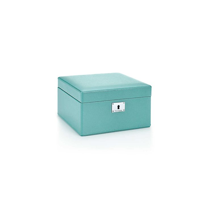 How fantastic will this Tiffany Jewelry Box look in my new #DreamCloset with all my trinkets?? Cost: $750 Oh, a girl can dream #ReturnToTiffany #TiffanyBlueBox