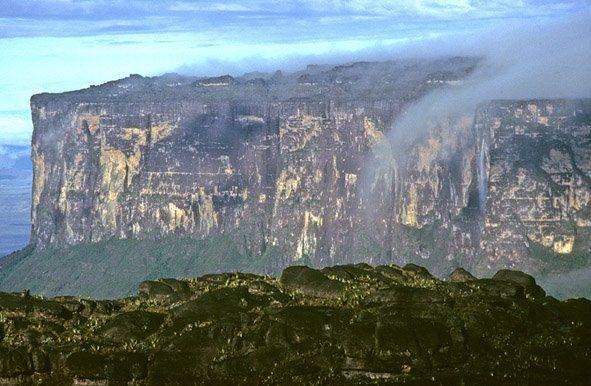 Kukenan from the top of Roraima