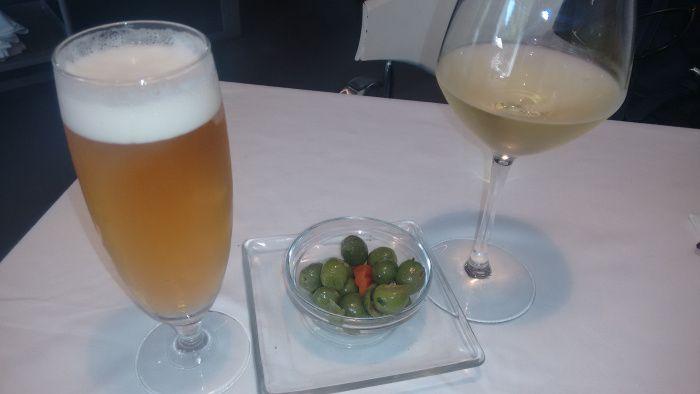 Caña de Cerveza y Copa de Albariño Kentia con su tapa