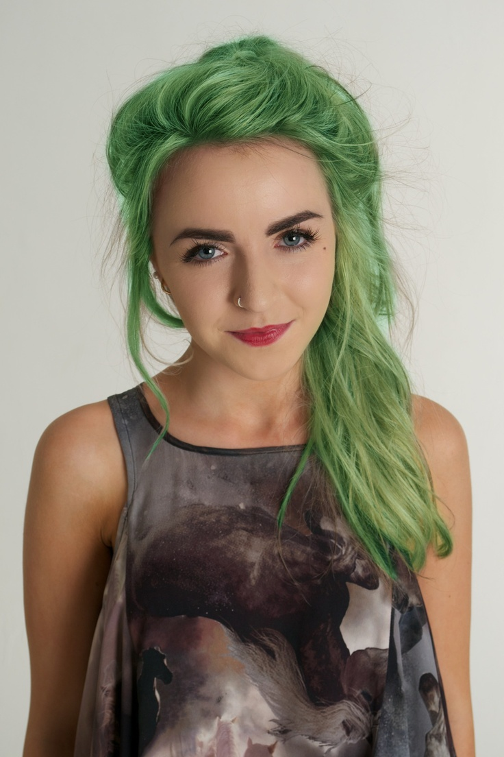 I don't normally like green hair, but some girls (like this one) can really pull it off. I tried to go for this and my salon said, Eileen, we try to take green out of hair in the summer not put it in!!